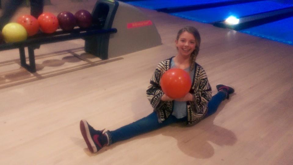 bowling-rose_19305462238_o